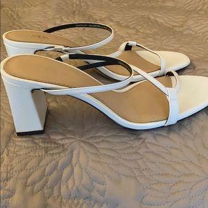 White Zara sandals only worn once. 39